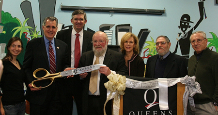 Queens Hillel Dedicates Media Lab.