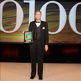 Matt Braman accepts CIO 100 Award.