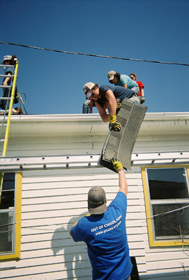 Hillel students repairing a New Orleans home in 2007.